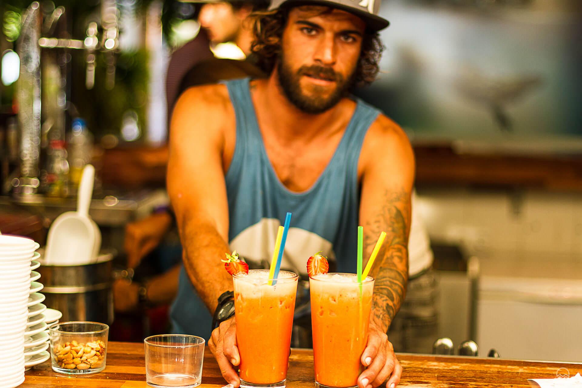 Cocktails refrescantes en Hotel Misiana Tarifa