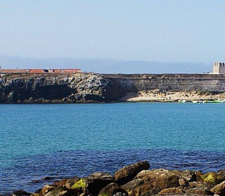 Playa con Hotel Misiana en Tarifa
